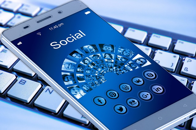 The-influence-of-social-media-in-our-daily-lives